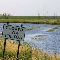 closed-for-holiday.jpg~c200
